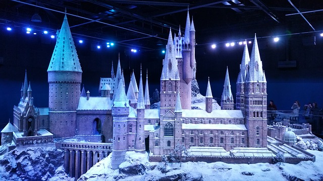 brand-new-holiday-experiences-coming-to-universal-orlando-resort-this-year - Warner Bros Warner Studio Harry Potter